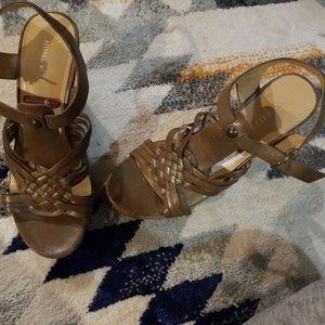 Nine west size 8.5 womens heels